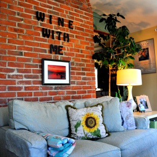 Additon - Sitting Room- great for Wine of Coffee- Welcome